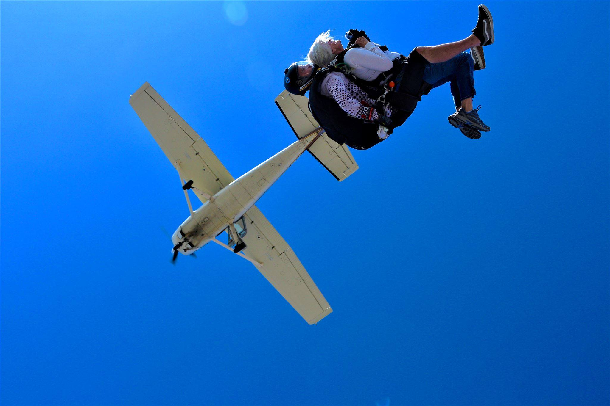 Tandem skydiving at DZONE® Skydiving
